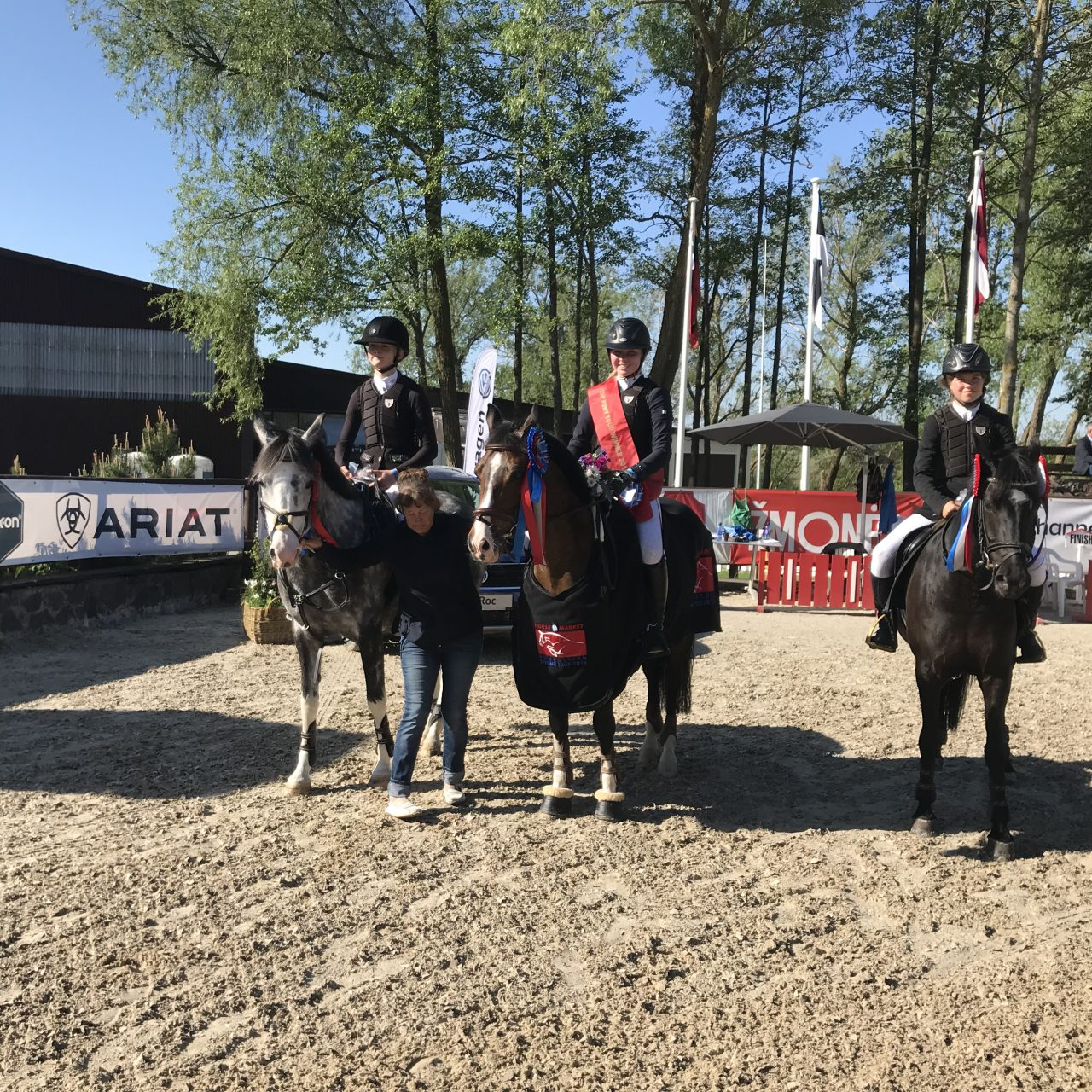 Treener Sirje Argus oma edukate õpilastega / foto Katariina Tomann erakogu