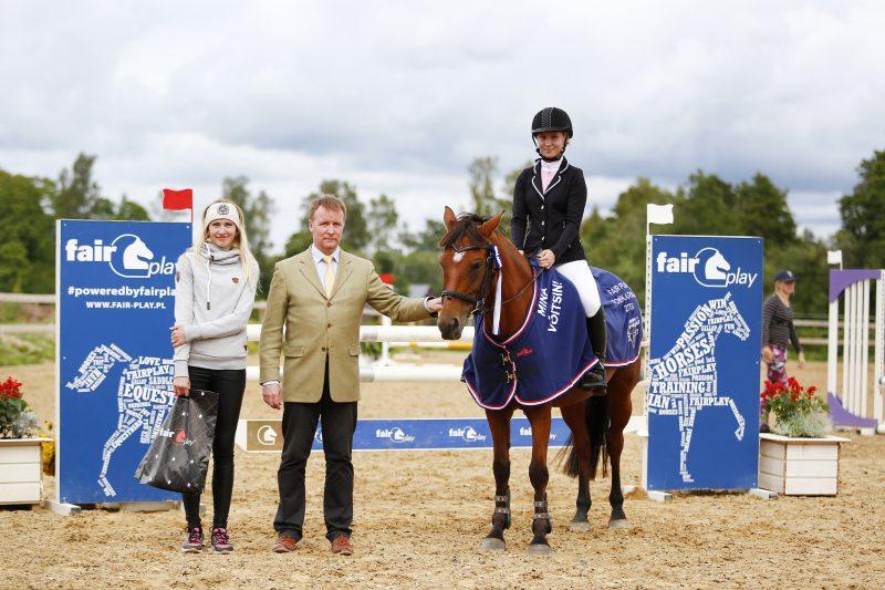 Ponikarika 2018 Suure ringi võitja Eleanora Aunap ponil Balestra