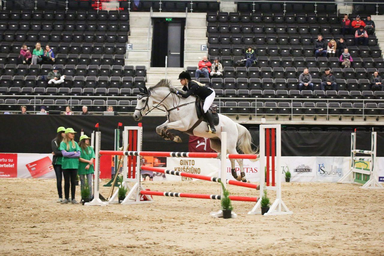 Triin Kattel hobusega Dunkan
