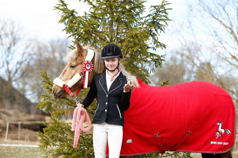 Karita Beilmann poniga Arabella - Mini Cup karikavõitja. Foto: Celin Lannusalu