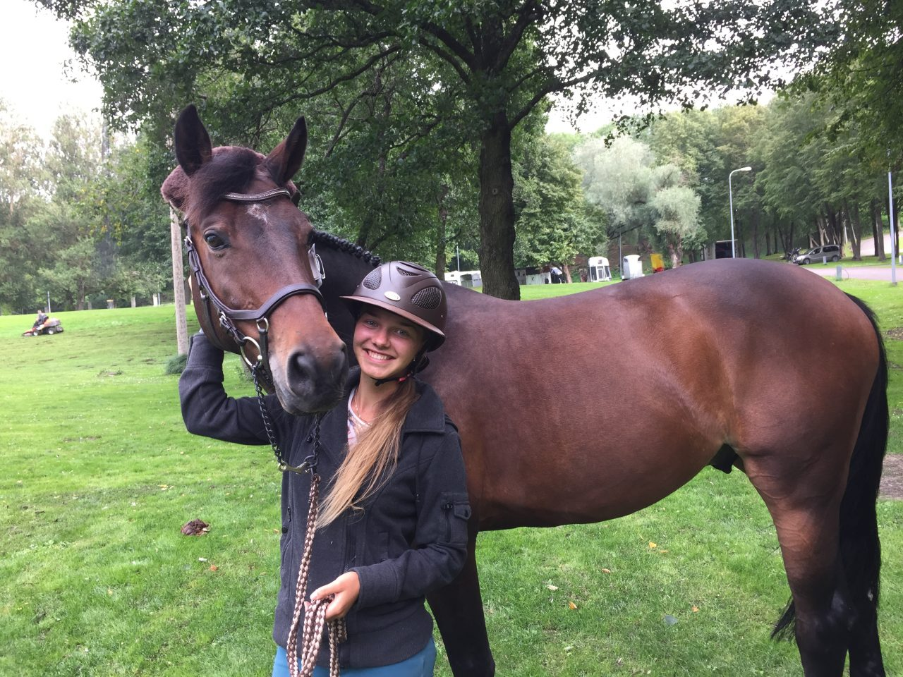 Monika Varter hobusega Hilfiger. Foto: Jessika Kaal