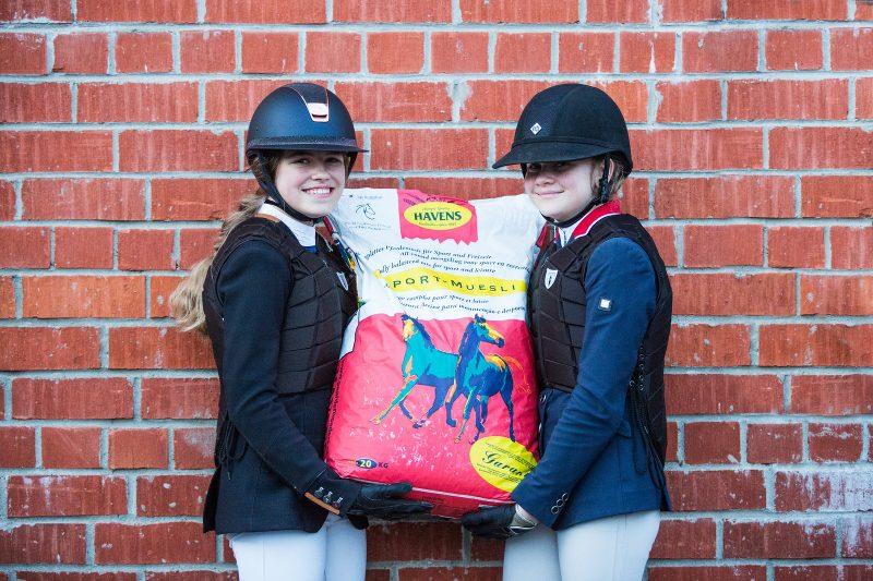 Suure Ringi sõitjad: Mia-Marleen Lanno ja Lene Varula Havensi auhinnaga. Foto: Celin Lannusalu