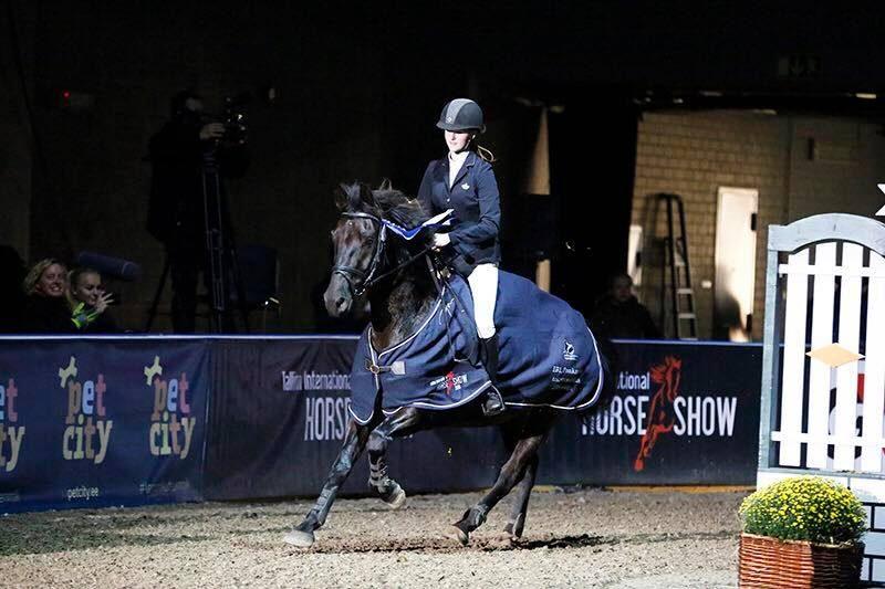 Birgit ja poni Mon Arh Ponikarika Suure Ringi finaalis Tallinn International Horse Show l 2016 a. Foto: Külli Tedre-Gavrilov.