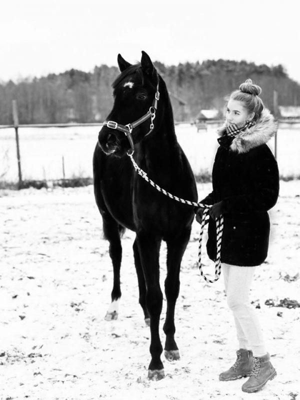 Birgit oma lemmikuga. Foto: Erakogu
