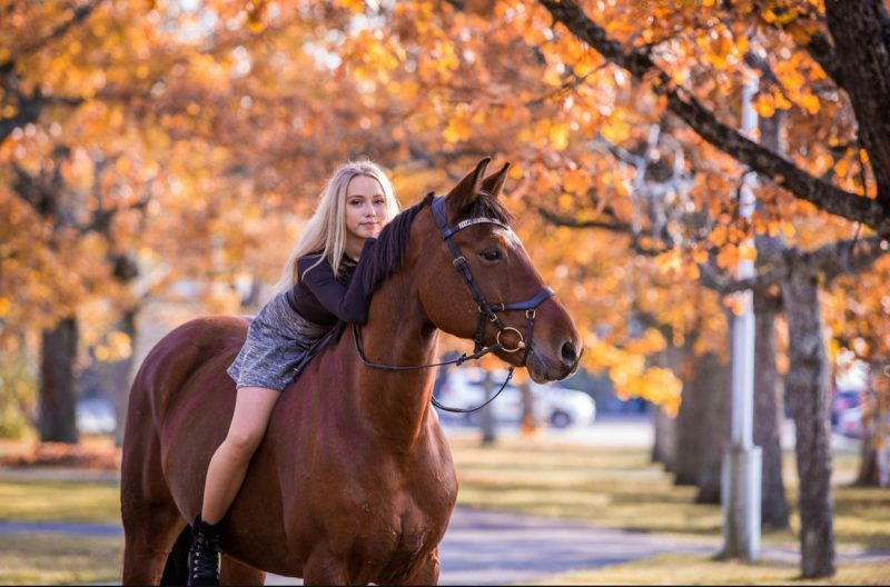 Suured sõbrad: hobune Golden Star ja Hedi. Pärnu. 2019. A: Celin Lannusalu